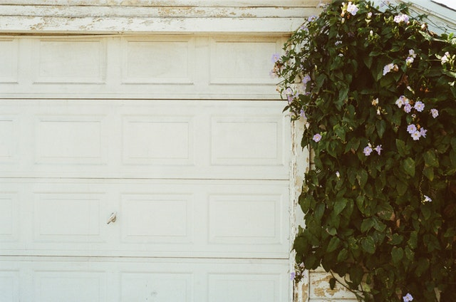 What Causes a Garage Door to Come Off Track – How do you maintain garage door tracks?